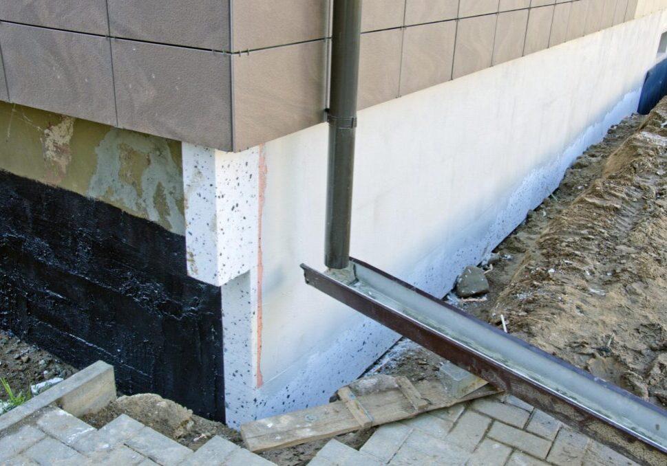a downspout rain gutter